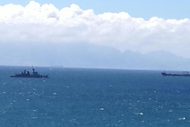 The Spanish vessel (left) in British territorial waters (@maggieyorks)