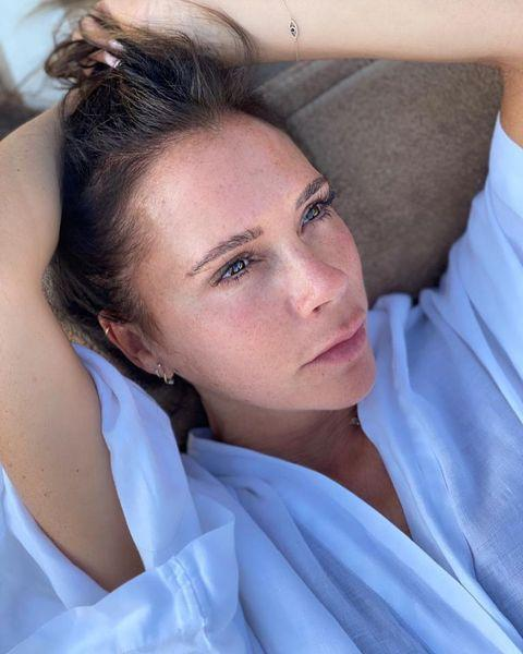 """<p>With her own line of skincare under her belt, it's unsurprising that Victoria Beckham is super confident without any make-up on. VB took to Instagram to show off her au natural look, captioning the post: 'Free the freckles. No makeup, just Power Serum + Golden ✨ <a href=""""https://www.instagram.com/explore/tags/vbglow/"""" rel=""""nofollow noopener"""" target=""""_blank"""" data-ylk=""""slk:#VBGlow"""" class=""""link rapid-noclick-resp"""">#VBGlow</a>'.</p><p><a href=""""https://www.instagram.com/p/CEOhpTon30P/?utm_source=ig_embed&utm_campaign=loading"""" rel=""""nofollow noopener"""" target=""""_blank"""" data-ylk=""""slk:See the original post on Instagram"""" class=""""link rapid-noclick-resp"""">See the original post on Instagram</a></p>"""