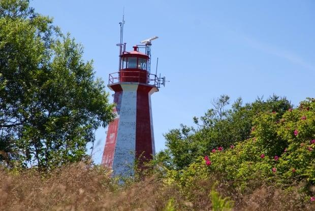 The Partridge Island lighthouse was manned from 1791 until 1989 when the light was automated. The light is still fully operational and maintained by the Department of Fisheries and Oceans. (Julia Wright / CBC - image credit)