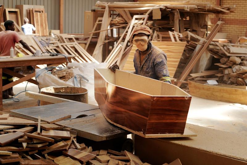 South African Coffin-maker Saw Covid-19 Both at Work and at Home