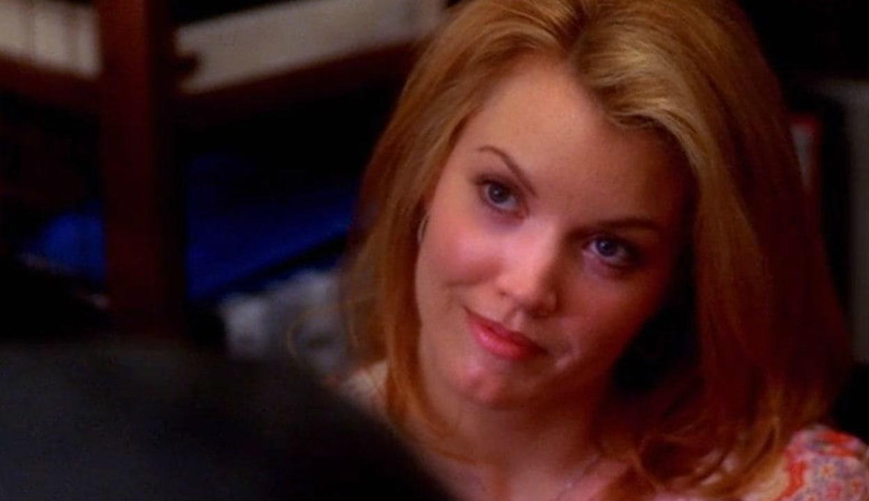 That's right, the Scandal star appeared in Season 1, Episode 21.