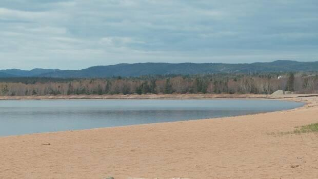 The municipal park and RV campground runs along sandy Deer Lake Beach. The land is filled in to help with flooding.