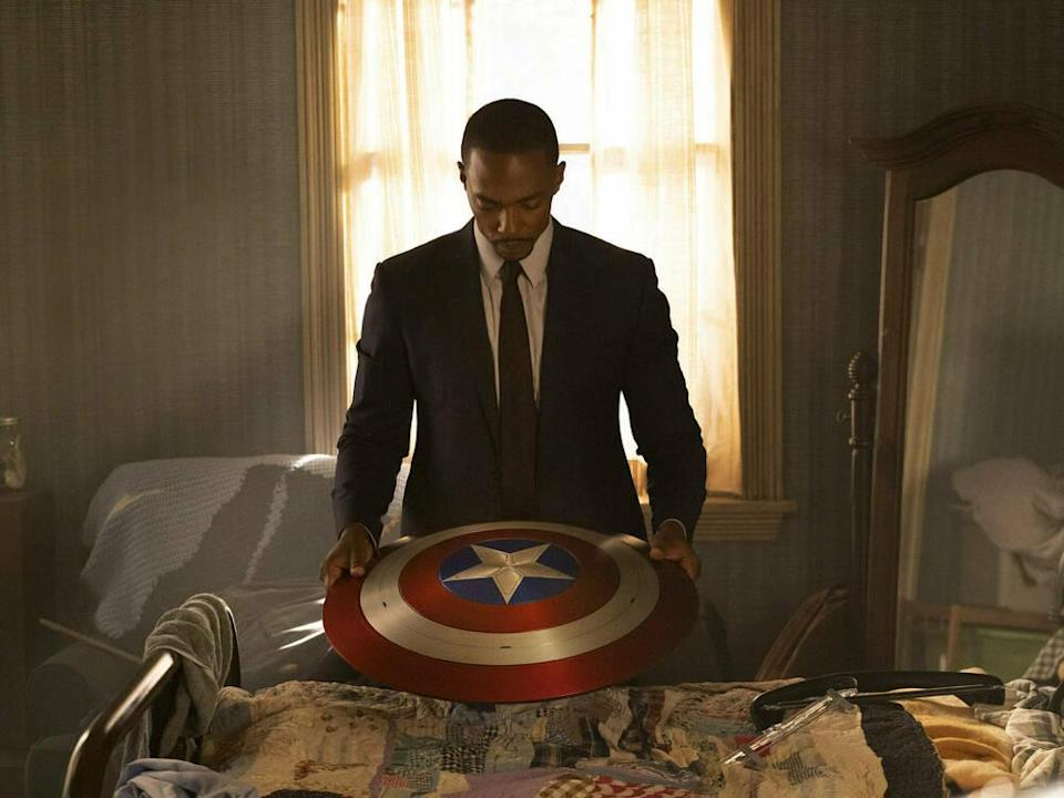 """Anthony Mackie spielt in der Serie """"The Falcon and The Winter Soldier"""" Captain America. (Bild: imago images/Cinema Publishers Collection)"""