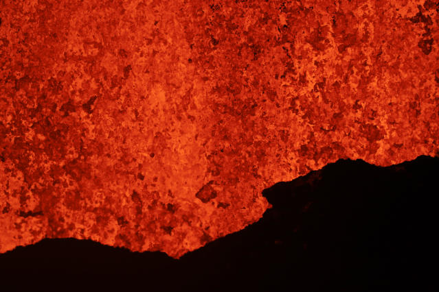 <p>Lava erupts from a fissure in Kapoho, Hawaii Monday, May 21, 2018. (Photo: Jae C. Hong/AP) </p>