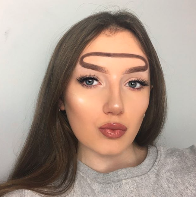 'Halo brows' were created by 16-year-old makeup artist Hannah Lyne. Photo: Instagram/hannahdoesmakeupp