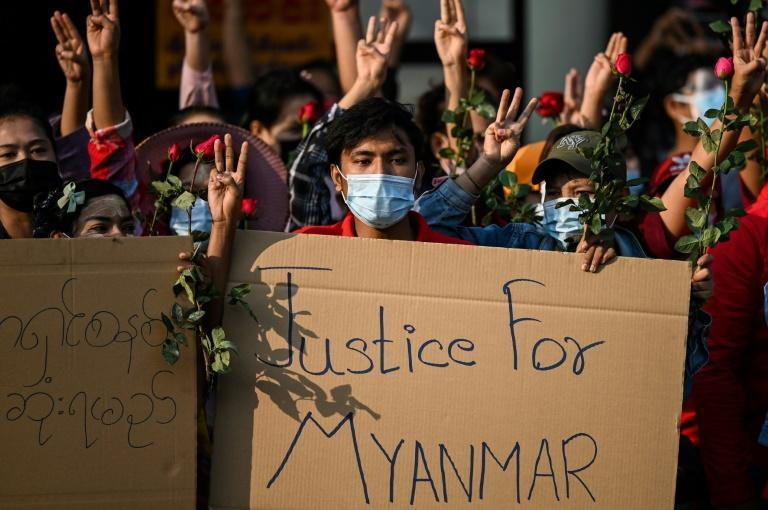 Supporters of civilian leader Aung San Suu Kyi are demanding her release