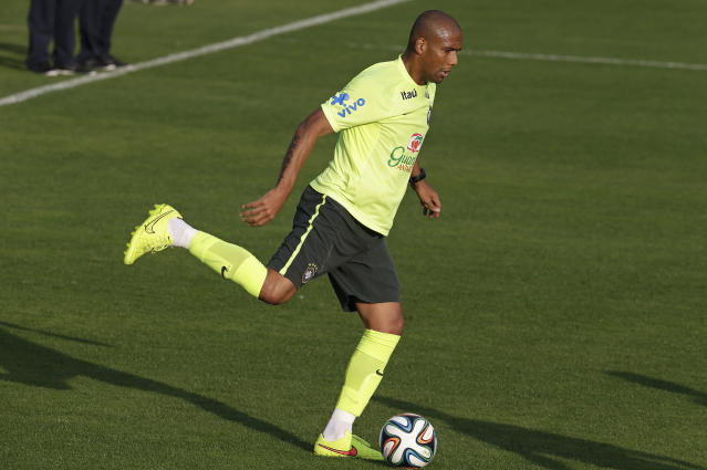 Brazil's Maicon practices during a training session at the Granja Comary training center in Teresopolis, Brazil, Tuesday, July 1, 2014. Brazil will face Colombia on July 4 in a quarter-final of the 2014 soccer World Cup. (AP Photo/Andre Penner)