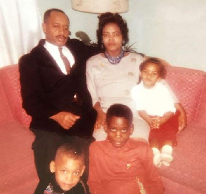 """<span class=""""caption"""">Jessie Dean Gipson Simmons, shown top center about age 37, c. 1961 [Clockwise: daughter Angela, sons Obadiah Jerone, Jr. and Carl, and husband Obadiah Jerone, Sr.; daughters Carolyn and Quendelyn are not pictured]</span> <span class=""""attribution""""><span class=""""source"""">Simmons family archives</span>, <span class=""""license"""">Author provided</span></span>"""