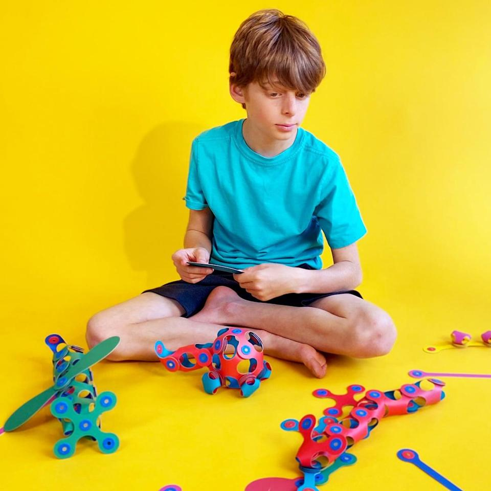 <p><span>Clixo Crew Pack</span> ($45) are flexible shapes that attach to each other with magnets to build endless amount of objects. The pack includes 2 spinners and 28 other pieces. The collection is lightweight, easy to travel with and doesn't require any batteries, just a whole lot of imagination.</p>
