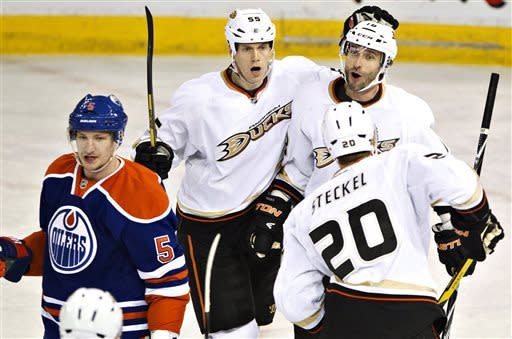 Ducks beat Oilers to clinch Pacific Division crown