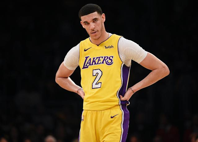 "<a class=""link rapid-noclick-resp"" href=""/nba/players/5764/"" data-ylk=""slk:Lonzo Ball"">Lonzo Ball</a> has reportedly cut ties with longtime family adviser and BBB co-founder Alan Foster over unaccounted for funds. (AP)"