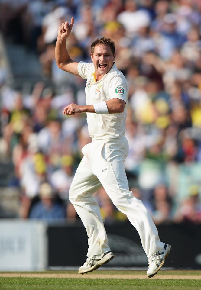 LONDON, ENGLAND - AUGUST 25: Ryan Harris of Australia celebrates the wicket of Joe Root of England during day five of the 5th Investec Ashes Test match between England and Australia at the Kia Oval on August 25, 2013 in London, England. (Photo by Gareth Copley/Getty Images)
