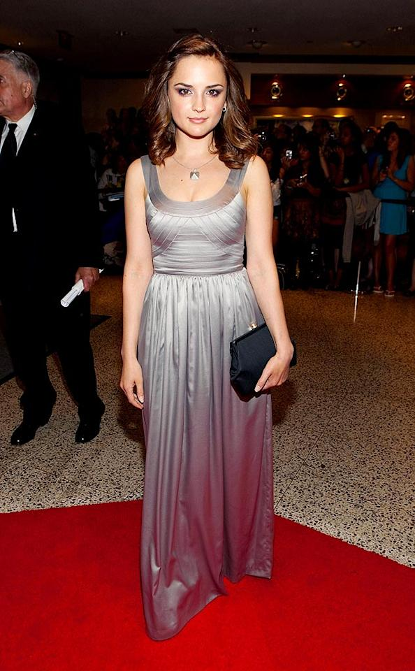 "Rachel Leigh Cook also went the metallic route. Paul Morigi/<a href=""http://www.wireimage.com"" target=""new"">WireImage.com</a> - May 9, 2009"