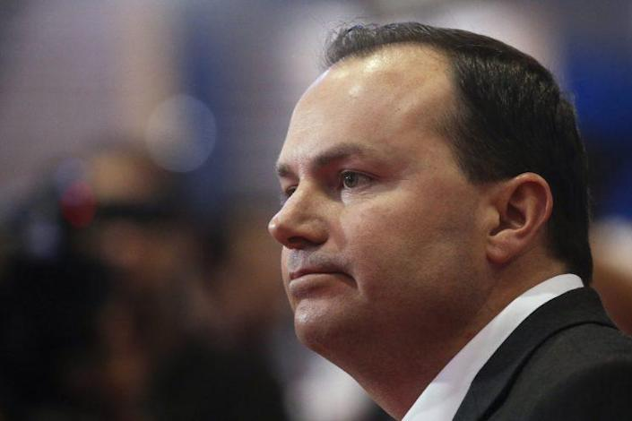 Sen. Mike Lee, R-Utah, endorsing Sen. Ted Cruz for president in March. (Photo: Reuters/Carlo Allegri)