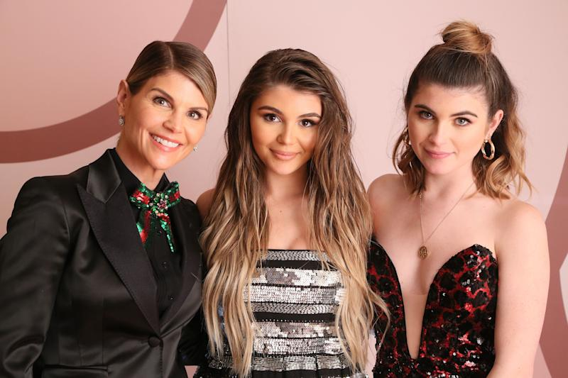 Lori Loughlin, Olivia Jade Giannulli and Isabella Rose Giannulli. (Photo: Gabriel Olsen/Getty Images for Sephora Collection)