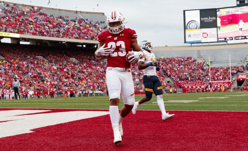 Wisconsin RB Taylor joins exclusive club vs. Illinois