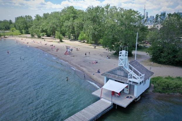 Cherry Beach during the summer of 2020. It's one of eight Toronto beaches recognized this year with a Blue Flag certification.  (John Badcock/CBC  - image credit)