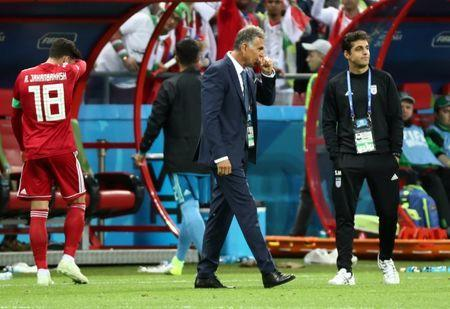 Soccer Football - World Cup - Group B - Iran vs Spain - Kazan Arena, Kazan, Russia - June 20, 2018 Iran coach Carlos Queiroz looks dejected after the match REUTERS/Sergio Perez