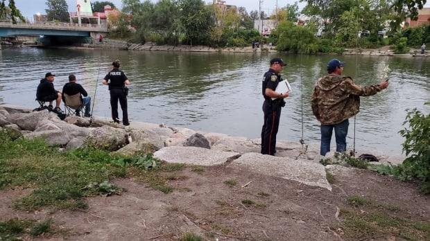 A man has been pronounced dead after he fell into the Credit River in Mississauga on Tuesday evening. (Jeremy Cohn/CBC - image credit)