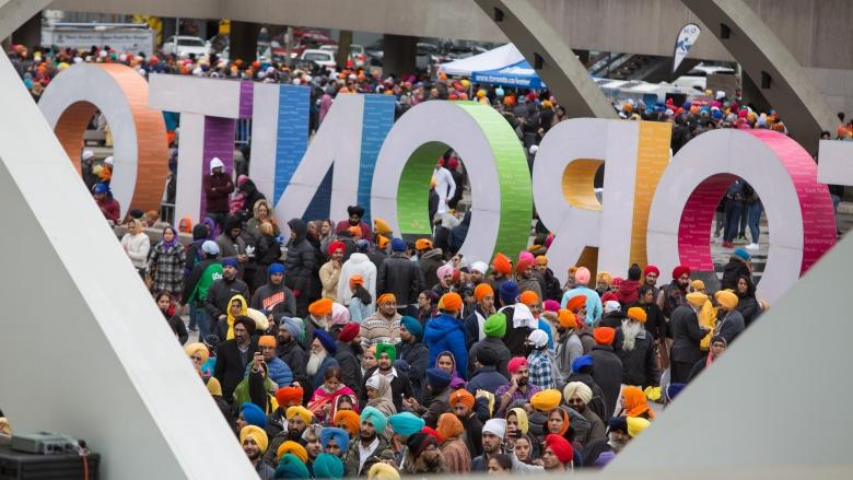 Tens of thousands mark Khalsa Day Sikh celebration in Toronto
