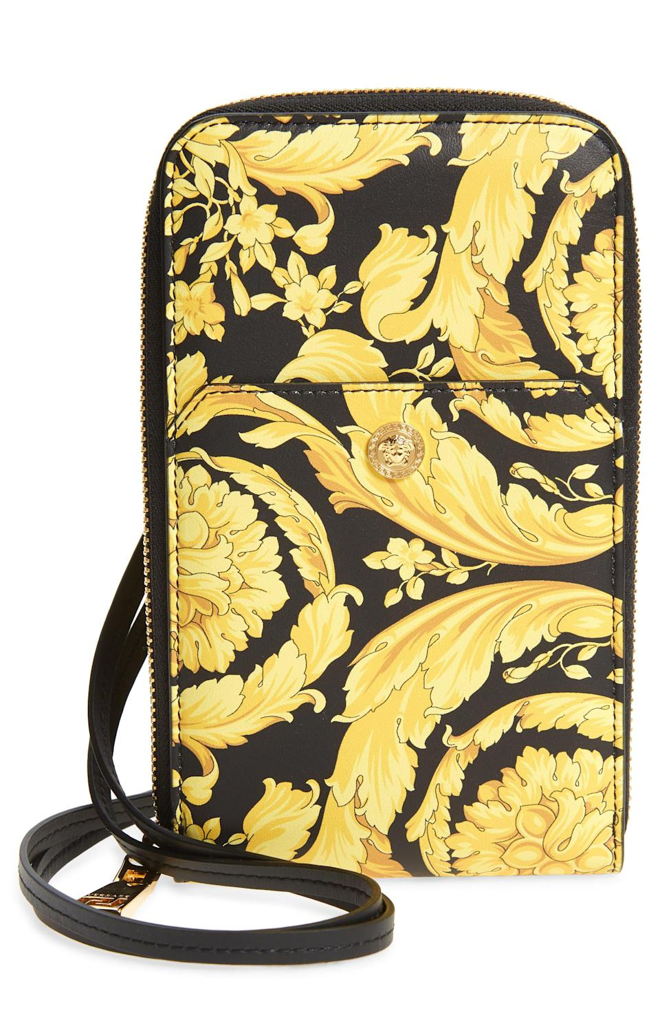 """<p><strong>Versace</strong></p><p>nordstrom.com</p><p><strong>$695.00</strong></p><p><a href=""""https://go.redirectingat.com?id=74968X1596630&url=https%3A%2F%2Fwww.nordstrom.com%2Fs%2Fversace-barocco-zip-around-leather-wallet%2F5675671&sref=https%3A%2F%2Fwww.esquire.com%2Fstyle%2Fmens-accessories%2Fg35924710%2Fmens-luxury-wallets%2F"""" rel=""""nofollow noopener"""" target=""""_blank"""" data-ylk=""""slk:Shop Now"""" class=""""link rapid-noclick-resp"""">Shop Now</a></p><p>If you're gonna go for it, you might as well <em>go for it</em>. </p>"""