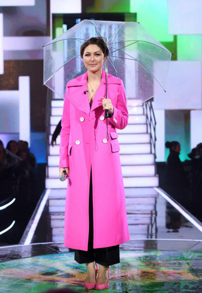 Emma Willis sure got the crowds going with her bubbly personality during Celebrity Big Brother'sall-female launch, but her outfit also caught some fans' attention.