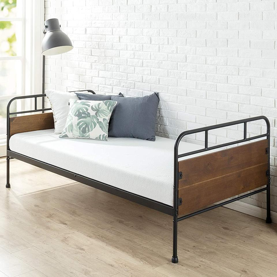 Zinus Eli Twin Daybed Frame. Image via Amazon.
