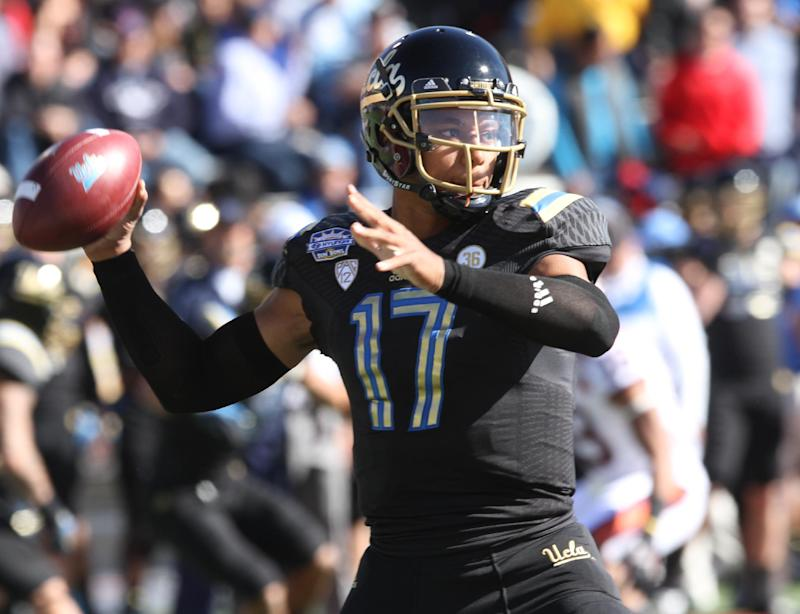 UCLA QB Brett Hundley to return for junior season