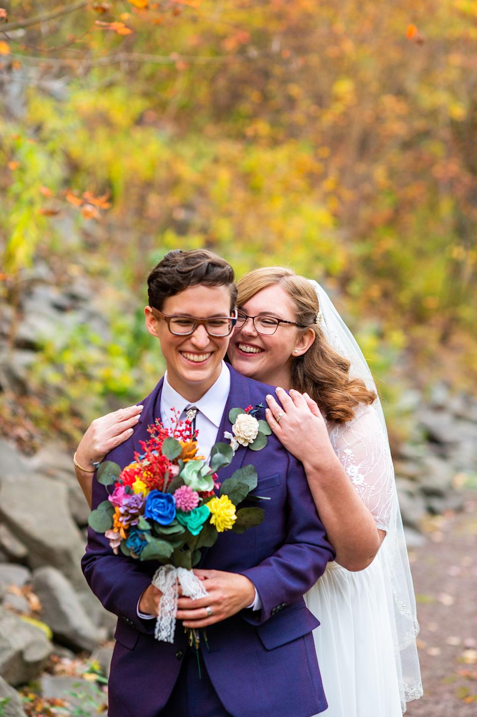 """They exchanged vows at the base ofStratton Falls in Roxbury, New York. (Photo: <a href=""""https://denuevaphoto.com/"""" target=""""_blank"""">De Nueva Photography </a>)"""
