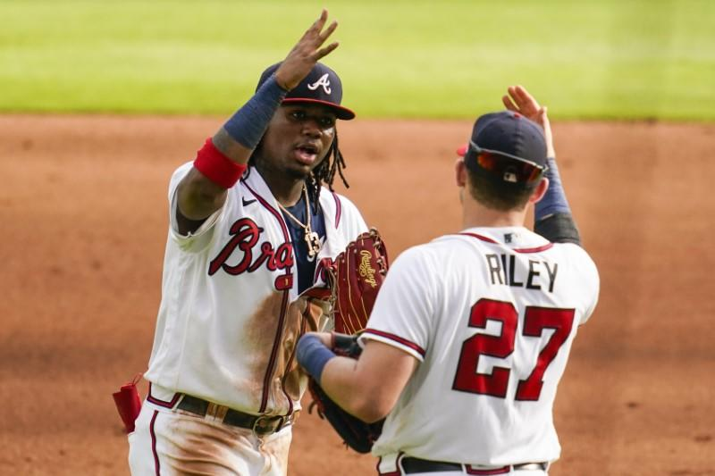 MLB roundup: Braves rookie leads charge in sweep of Yanks