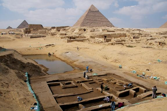 Ruins of Bustling Port Unearthed at Egypt's Giza Pyramids
