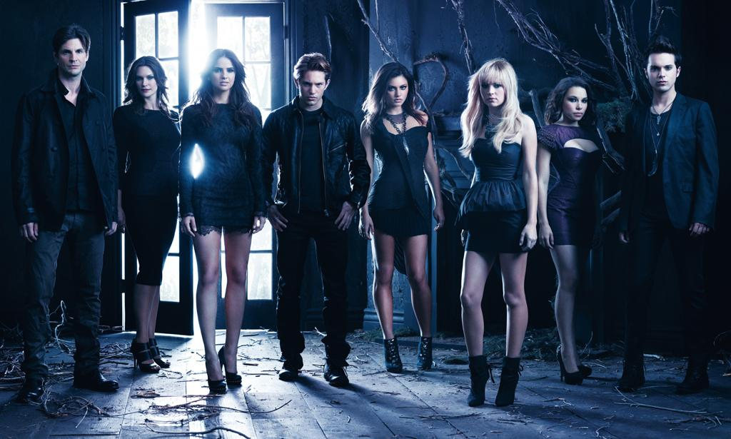 "<b>""The Secret Circle""</b><br><br>Thursday, 5/10 at 9 PM on The CW<br><br><a href=""http://yhoo.it/IHaVpe"">More on Upcoming Finales </a>"