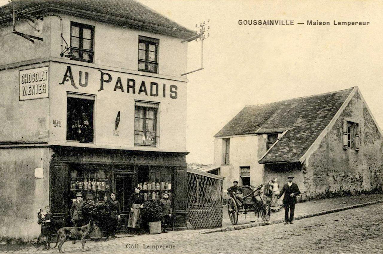 """A vintage postcard printed around 1915 shows the cafe """"Au Paradis"""" (In Heaven) of Goussainville-Vieux Pays, 20 kms (12 miles) northern Paris. In 1972 the farming village of 144 homes found itself under the direct flight path of Roissy's Charles de Gaulle Airport when it opened. Residents started to abandon their homes, unable to endure the constant noise of the passenger planes flying overhead. Nowadays, only few families remain living in what has become almost a ghost village. REUTERS/Collection Charles Platiau (FRANCE - Tags: SOCIETY) FOR EDITORIAL USE ONLY. NOT FOR SALE FOR MARKETING OR ADVERTISING CAMPAIGNS"""
