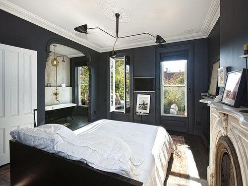 In our book, Jenna Lyons is a celebrity and had the bedroom to prove it. As the president and creative director at J.Crew, we'd expect nothing less of her former Brooklyn town house. Way ahead of 2014's black wall trend, her bedroom was the epitome of chic.  Source: Sotheby's