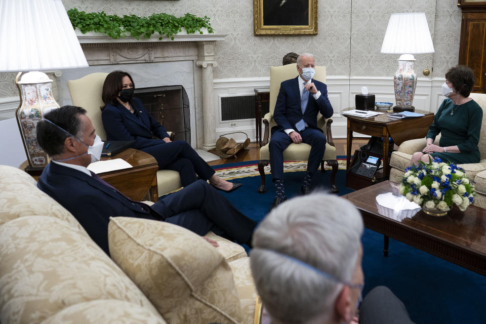 WASHINGTON, DC - FEBRUARY 01: U.S. President Joe Biden (Center R) and Vice President Kamala Harris (Center L) meet with 10 Republican senators, including Mitt Romney (R-UT), Bill Cassidy (R-LA) and Susan Collins (R-ME), in the Oval Office at the White House February 01, 2021 in Washington, DC. The senators requested a meeting with Biden to propose a scaled-back $618 billion stimulus plan in response to the $1.9 trillion coronavirus relief package Biden is currently pushing in Congress. (Photo by Doug Mills-Pool/Getty Images)