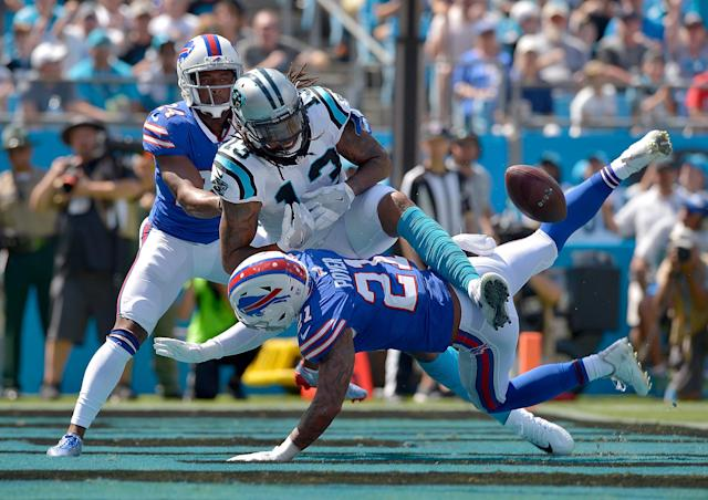<p>Jordan Poyer #21 of the Buffalo Bills breaks up a pass intended for Kelvin Benjamin #13 of the Carolina Panthers during their game at Bank of America Stadium on September 17, 2017 in Charlotte, North Carolina. (Photo by Grant Halverson/Getty Images) </p>