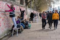 <p>Cada corazón representa una vida perdida como consecuencia de la pandemia. (Photo by Pietro Recchia/SOPA Images/LightRocket via Getty Images)</p>