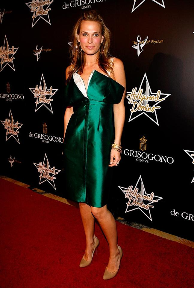 """""""Las Vegas"""" star Molly Sims proves that it's not easy being green in a dress like this! Jean Baptiste Lacroix/<a href=""""http://www.wireimage.com"""" target=""""new"""">WireImage.com</a> - February 21, 2008"""