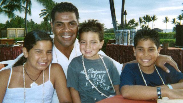 Junior Seau Diagnosed With Disease Caused by Hits to Head: Exclusive (ABC News)