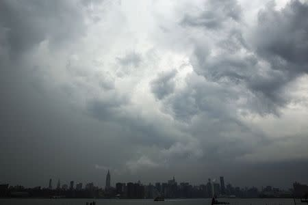 Large storm looms over the skyline of New York