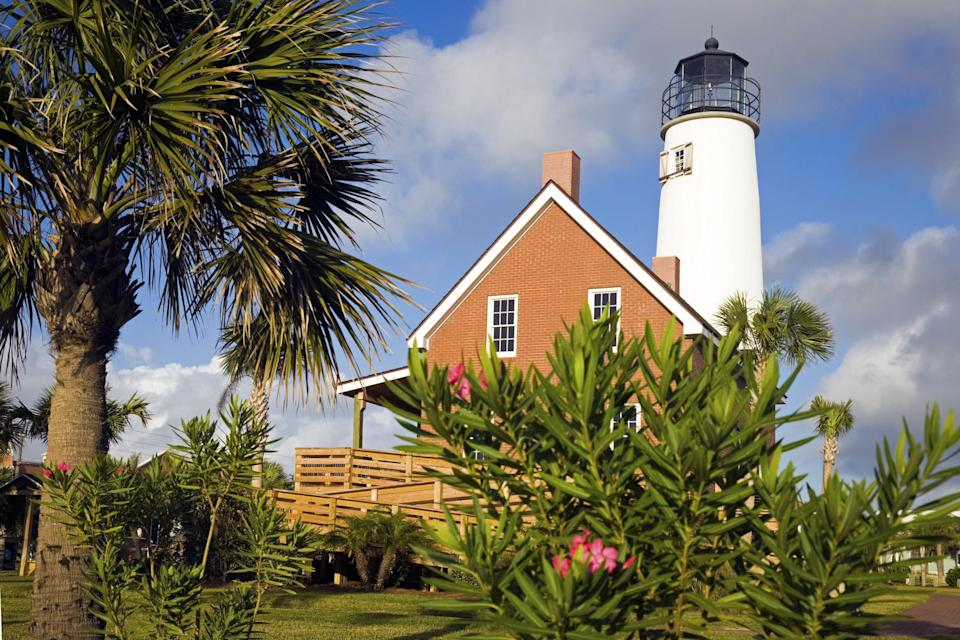Photo of lighthouse at St. George Island