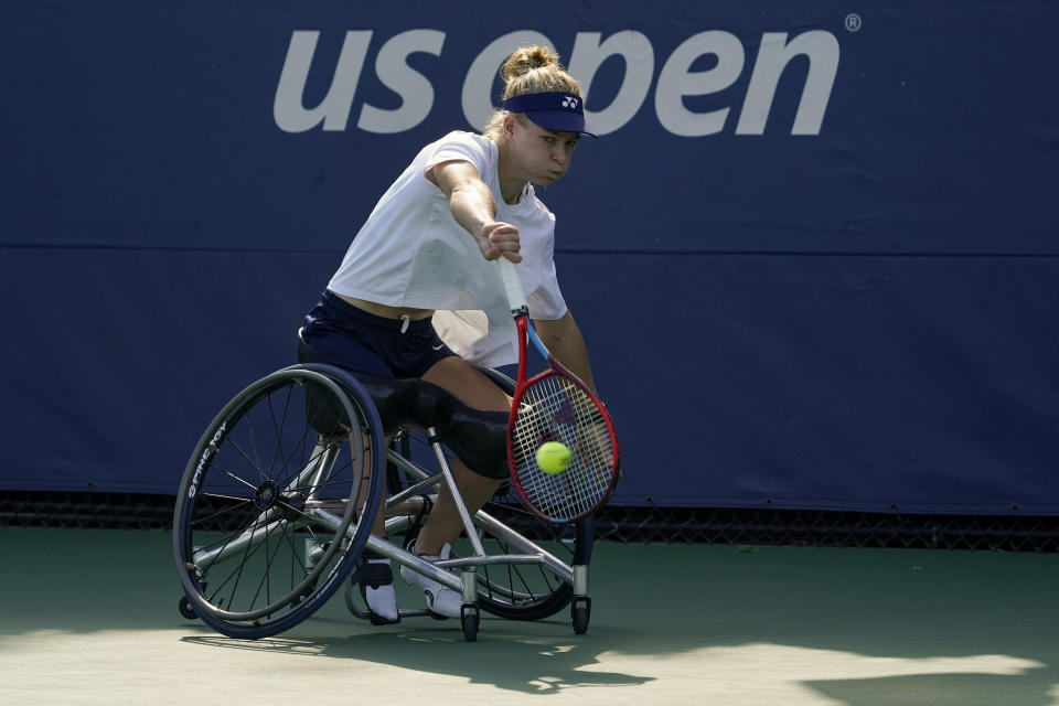Diede De Groot, practices at the Bille Jean King National Tennis Center during the US Open tennis championships, Wednesday, Sept. 8, 2021, in New York. De Groot can do something at the U.S. Open that even Novak Djokovic can't. The wheelchair star will try to complete the Golden Slam -- all four major titles plus the Paralympic gold medal in the same year -- when competition begins Thursday. (AP Photo/Elise Amendola)