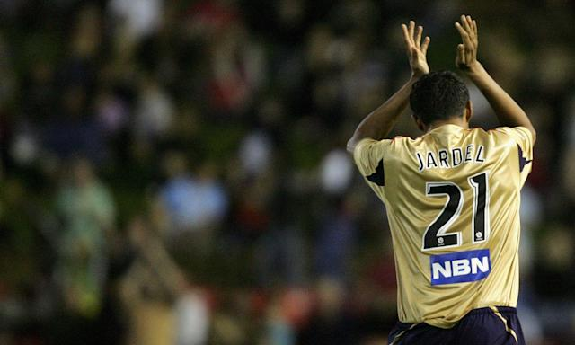 The Brazilian Mario Jardel applauds the crowd after a Newcastle Jets game in 2007.