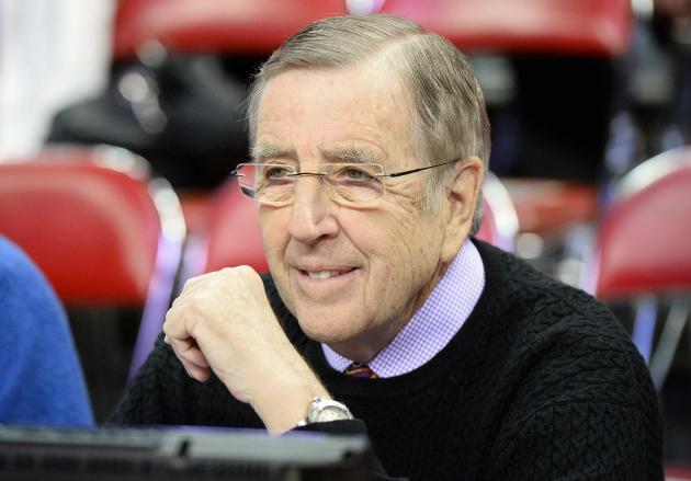 <p>Brent Musburger doesn't want to hear complaints about violence in football</p>