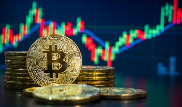 Despite Kodak Woes, Bitcoin Extends Rally & Crypto-Related Stocks Gain