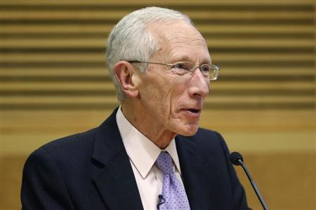 Fischer delivers remarks during a panel discussion on financial crises in Washington