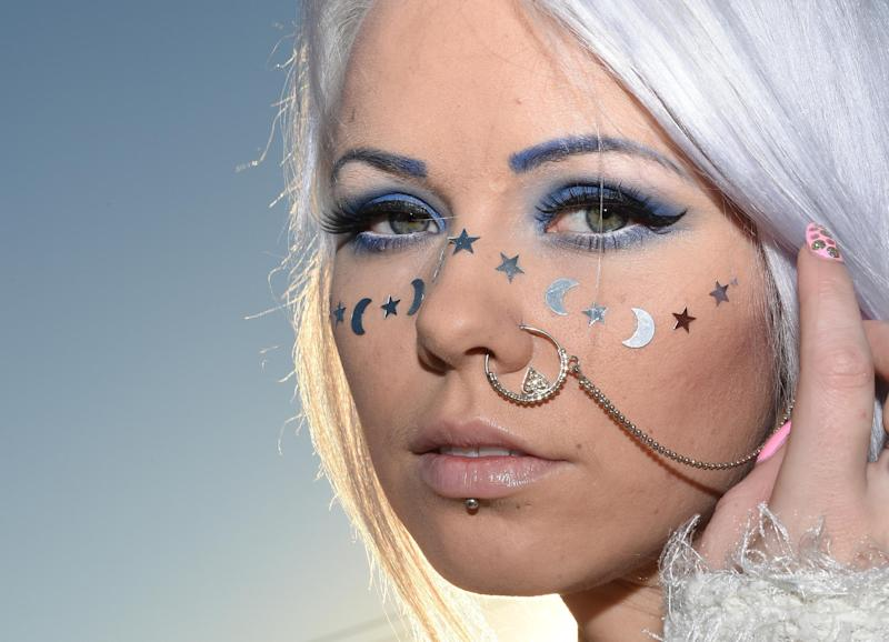 Estonian singer Kerli poses for photos, ahead of release of her latest album, 'Raindrops', in Los Angeles, Califonia, on January 16, 2015 (AFP Photo/Mark Ralston)