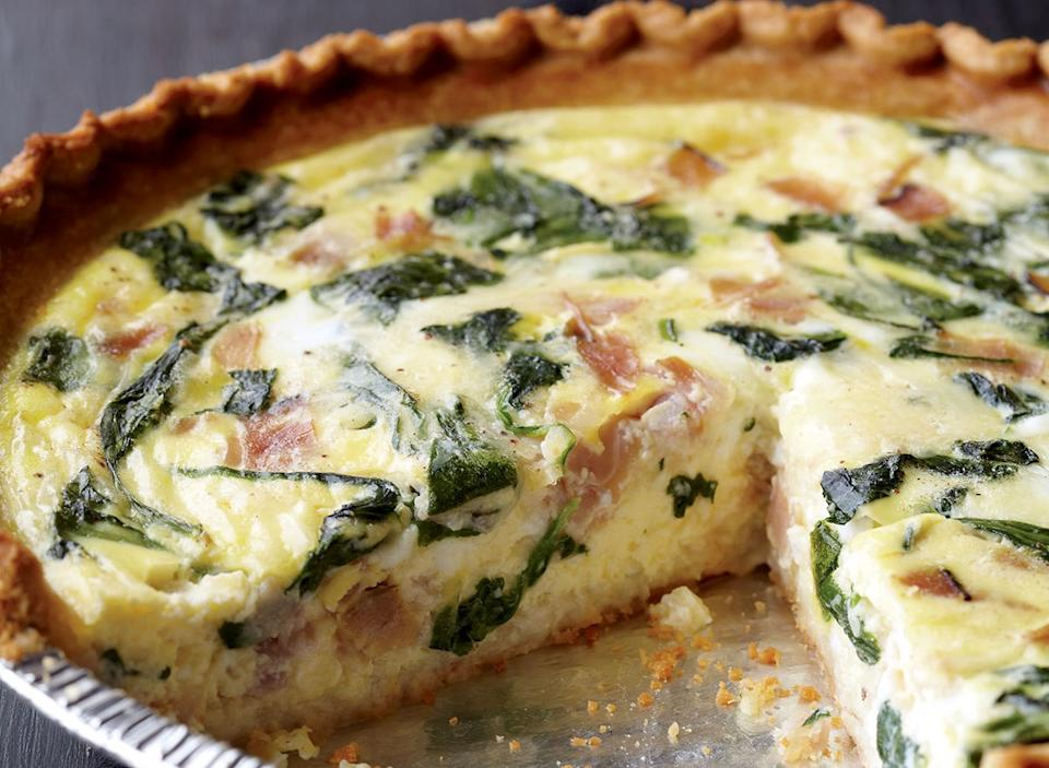 Low-calorie spinach and ham quiche