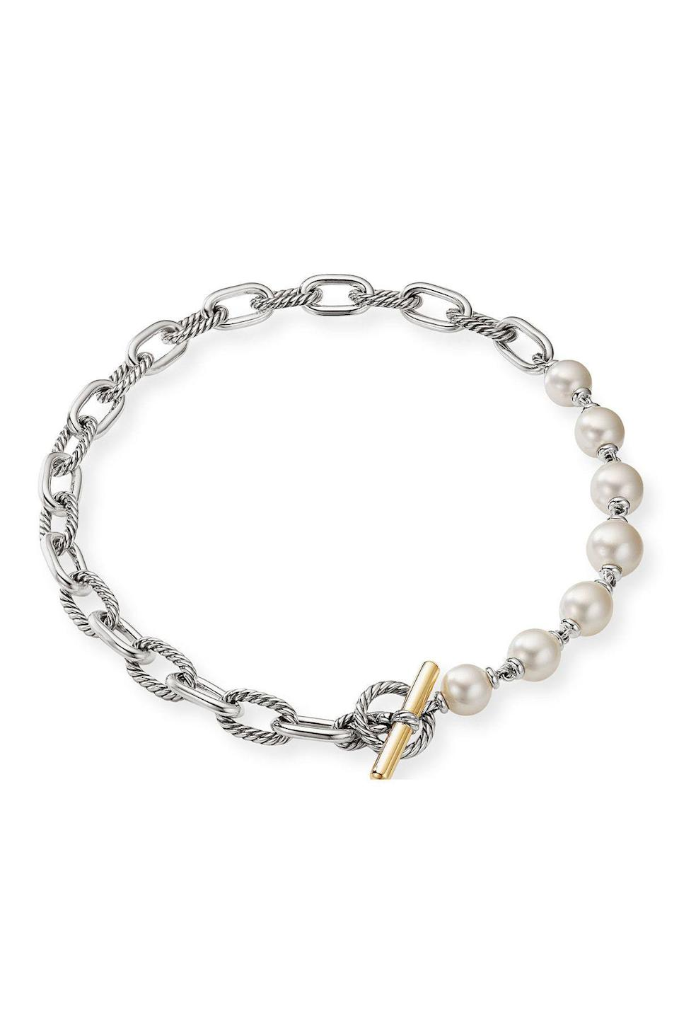 """<p><strong>David Yurman</strong></p><p>neimanmarcus.com</p><p><strong>$2400.00</strong></p><p><a href=""""https://go.redirectingat.com?id=74968X1596630&url=https%3A%2F%2Fwww.neimanmarcus.com%2Fp%2Fdavid-yurman-madison-12-5-13mm-pearl-necklace-18-l-prod237470348%3FchildItemId%3DNMY5F57_%26navpath%3Dcat000000_cat4870731_cat60830812_cat81430748%26page%3D0%26position%3D35&sref=https%3A%2F%2Fwww.townandcountrymag.com%2Fstyle%2Fjewelry-and-watches%2Fg36793443%2Fbest-mens-pearl-jewelry%2F"""" rel=""""nofollow noopener"""" target=""""_blank"""" data-ylk=""""slk:Shop Now"""" class=""""link rapid-noclick-resp"""">Shop Now</a></p><p><a href=""""https://www.townandcountrymag.com/style/jewelry-and-watches/a35767299/david-yurman-elements-collection/"""" rel=""""nofollow noopener"""" target=""""_blank"""" data-ylk=""""slk:David Yurman's"""" class=""""link rapid-noclick-resp"""">David Yurman's</a> industrial looking pieces make them a mainstay for those who prefer a masculine look, but add a few pearls and things start to get interesting. </p>"""