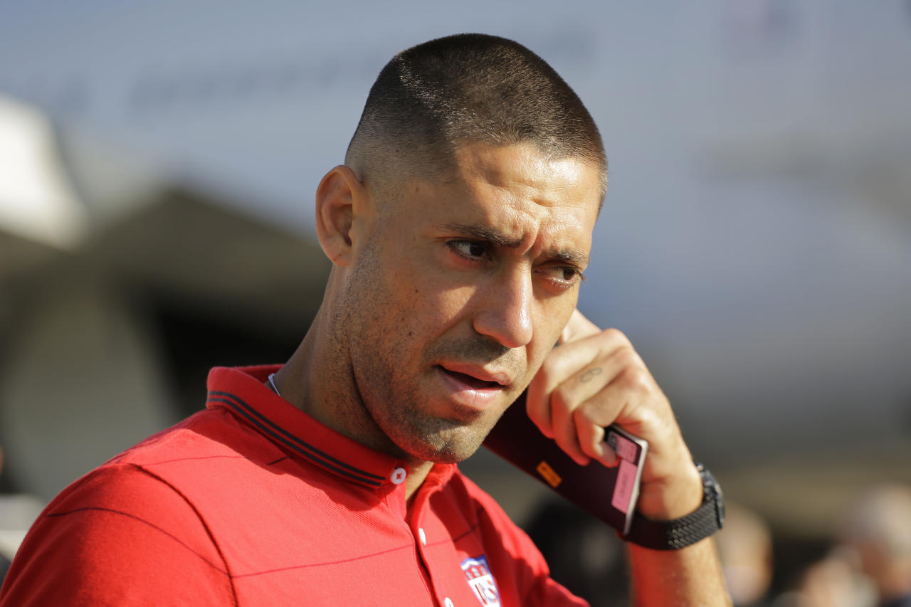 United States' national team soccer player Clint Dempsey arrives at the Sao Paulo International airport in Brazil, Monday, June 9, 2014. The U.S. national soccer team arrived to continue their preparations for the upcoming Brazil 2014 World Cup, which starts on June 12. (AP Photo/Nelson Antoine)